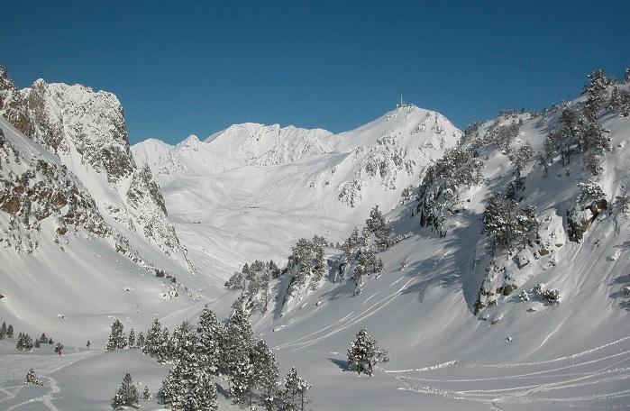 El Pic de Midi es el mejor observatorio de la nieve virgen de los Hautes Pyrénées