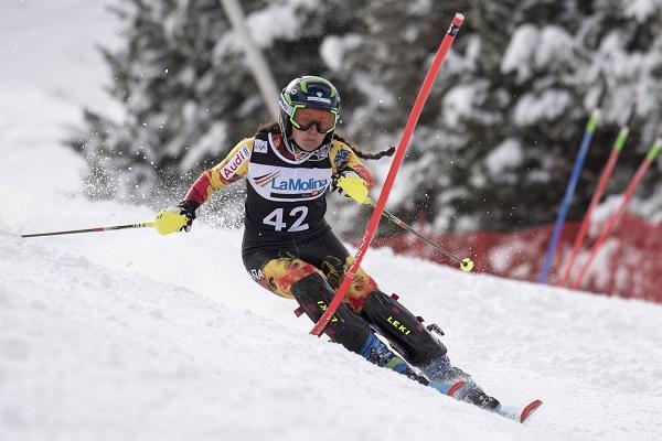 Julia Bargalló en el Slalom de la Copa de Europa de Esquí Alpino de La Molina