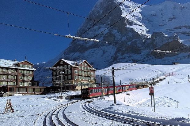 El tren sube hasta el Jungfraujoch, la estación más alta de Europa. Foto: Lugares de Nieve
