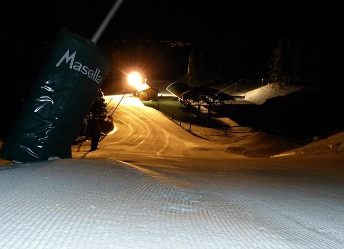 Inaugurado en la temporada 2013/14, el esquí nocturno de Maella es una de sus Joyas de la Corona