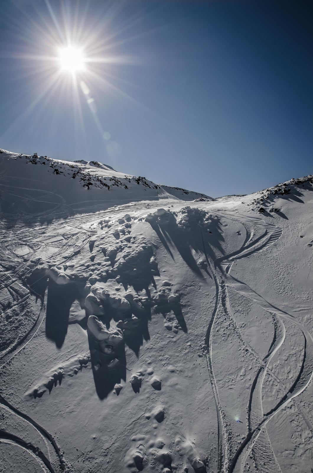 marcas sobre pow nevados