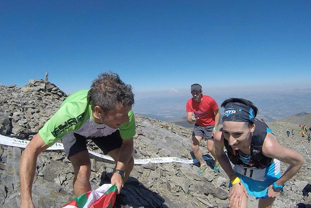 Oihana Kortazar subiendo uno de los picos de casi 3000 m de altura de la Olla de Nùria. Crédito; Salomon