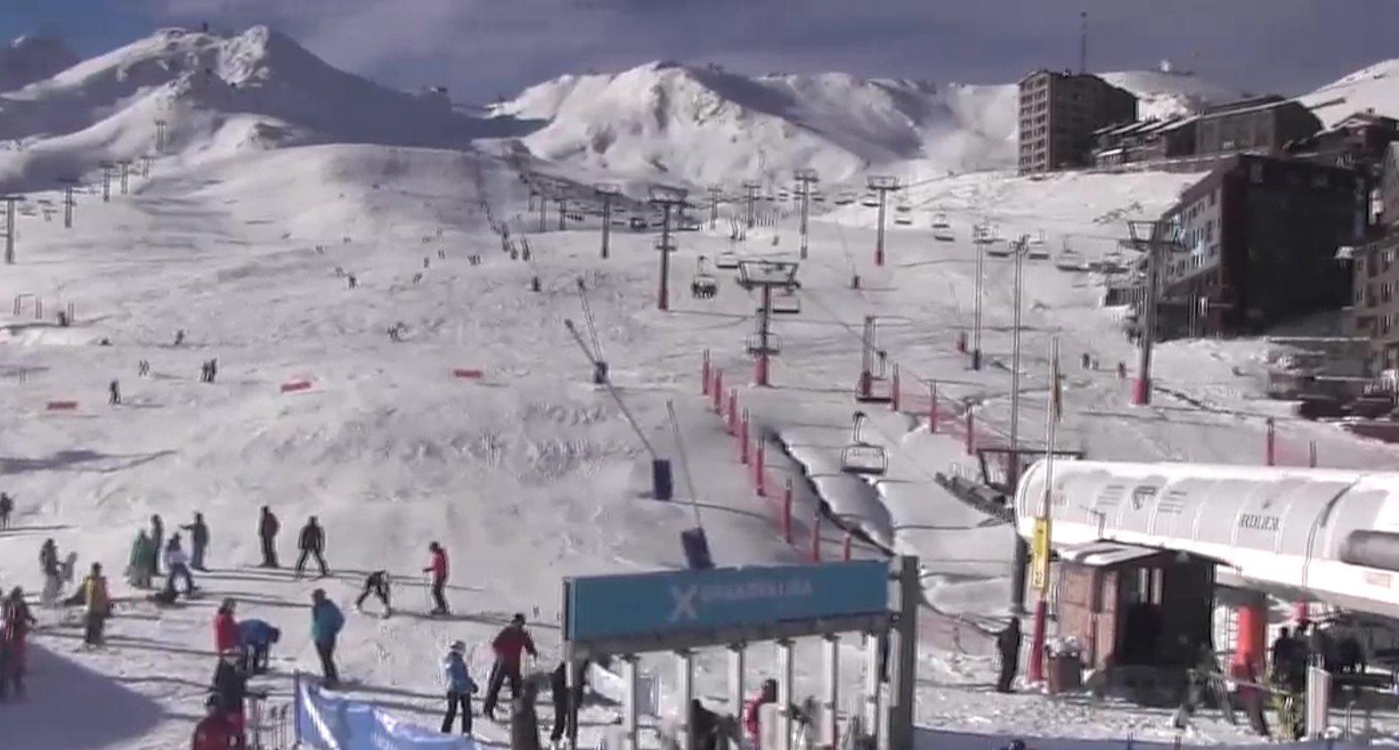 Grandvalira ofrece 11 km esquiables para el puente espera abrir m s sectores y conexiones - Webcams pas de la casa ...