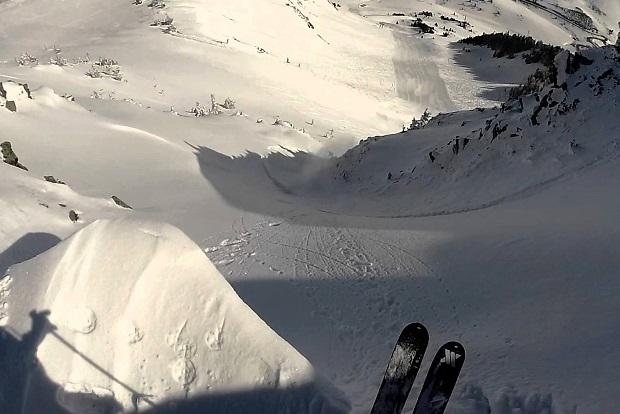 Un esquiador se dispone a hacer fuerapistas en el sector Peülla de Baqueira. Foto: archivo