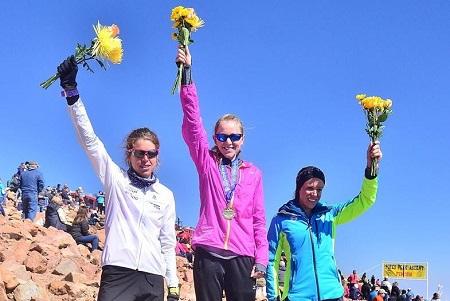 Laura Orgué, kim Dobson y Addie Bracy en la pikes Peak 2016