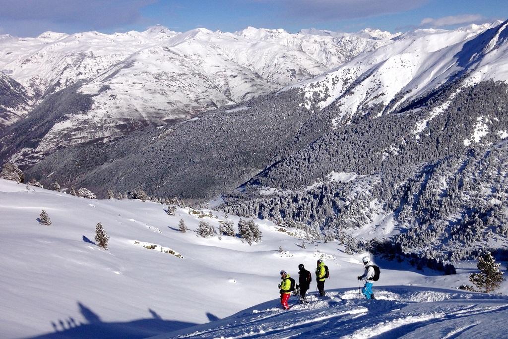 Los Guías de Kabi Travels te acompañan en tu aventura Pyrenees Helisk