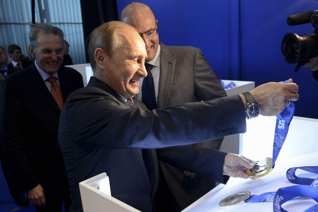Presentación medallas para los Juegos Olímpicos de Invierno 2014 con Putin