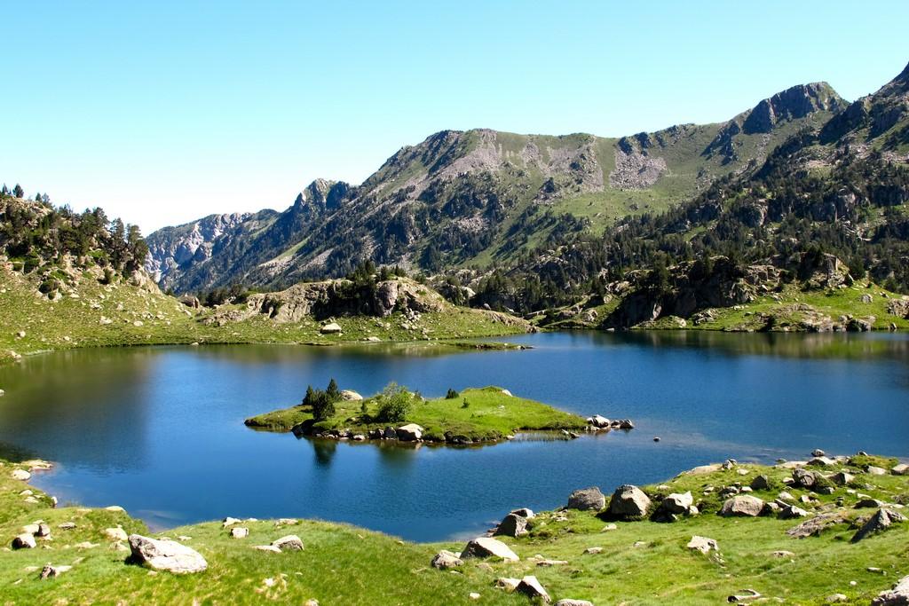 El estany Plan, uno de los numerosos lagos glaciares que encontraremos en la ruta del Circ de Colomèrs