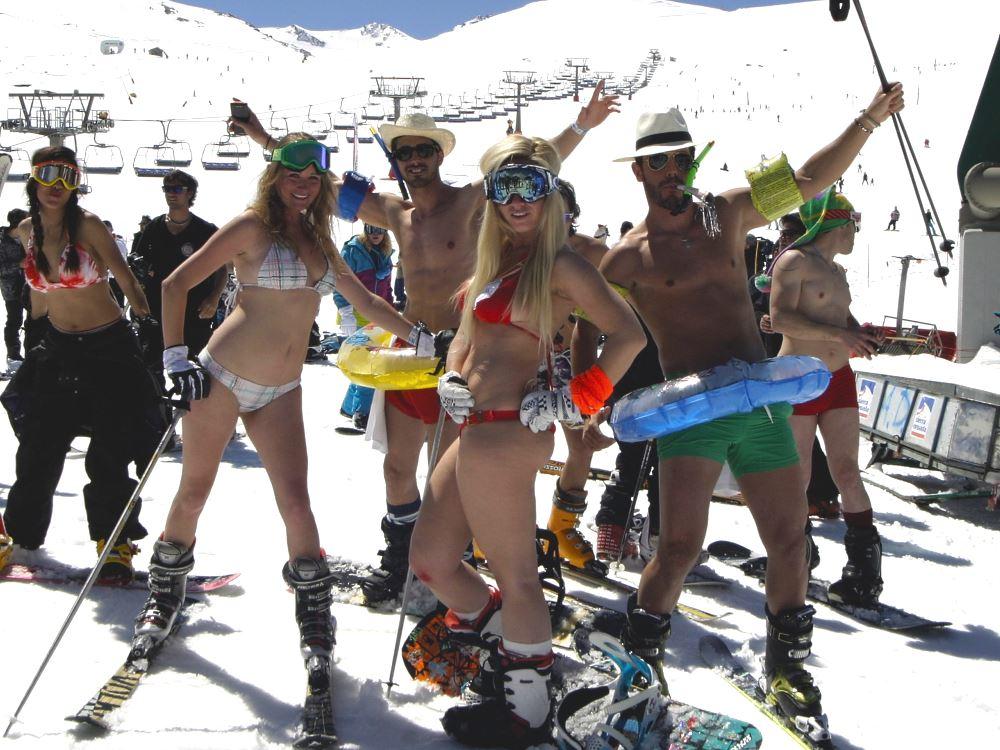Acerca del desnudo... Sierra-nevada-bajada-bikini_1