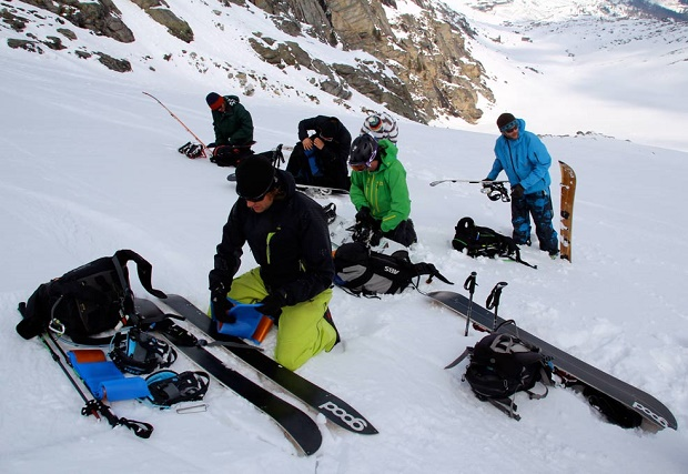 El snowboard se apunta al esquí de montaña con el revolucionario splitboard