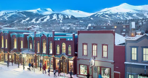 Las estaciones de esquí estadounidenses aumentan salarios para atraer trabajadores