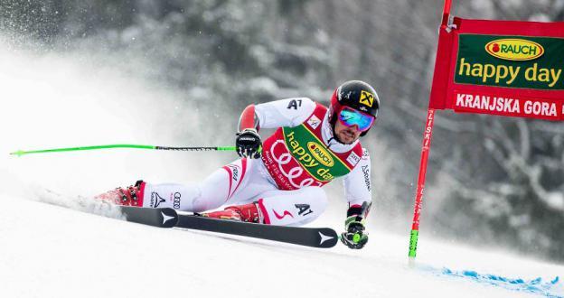 La leyenda del esquí Marcel Hirscher prueba a correr en Enduro y se rompe