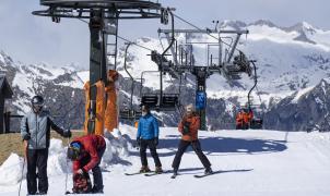 La nieve llega a Aramón este fin de semana en el que los snowparks son los protagonistas