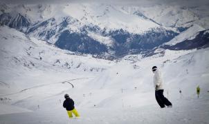 Las estaciones de Aramón reciben la primavera con más de 300 km esquiables y espesores superiores a los 4 metros