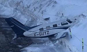Vídeo: aterrizaje accidentado de una avioneta en el altipuerto de Courchevel