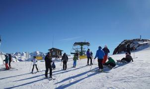 Aramón suma más de 250 km esquiables en un fin de semana con buen tiempo y lleno de actividades
