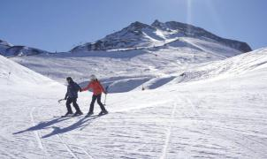 Las estaciones de esquí de Aramón continúan sumando kilómetros a la espera de nevadas