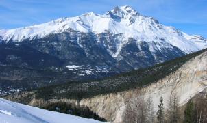 Mueren 4 esquiadores en los Alpes practicando esquí de montaña