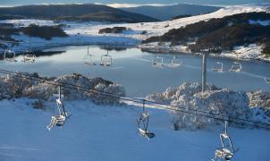 El coronavirus pone fin a la temporada de esquí de 2 estaciones de Australia al poco de abrir