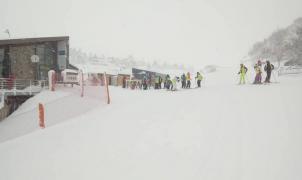 Valgrande-Pajares y Fuentes de Invierno estrenan este lunes temporada gracias a las últimas nevadas