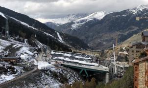 La plataforma de Soldeu bajo la nieve, a contrarreloj y cumpliendo los plazos