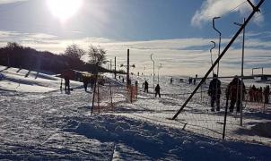 El Centro de Esquí Valdelén abre pistas y se une a la fiesta de la nieve