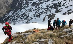 Dos excursionistas heridos tras ser arrastrados por un alud en el Valle de las Moñetas, en Cabrales