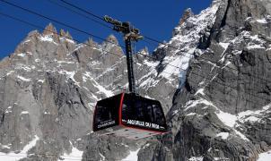 Chamonix trabaja a contrarreloj para tener listos los teleféricos con problemas para el invierno