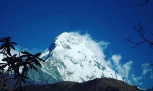 Al menos siete alpinistas desaparecidos en una avalancha en el Annapurna, Himalaya
