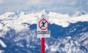 El gobernador de Colorado da al traste con los planes de reabrir las estaciones de esquí
