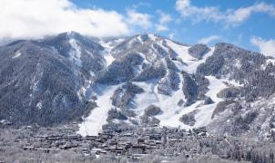 Denuncian a una pareja de Australia por regresar de esquiar con coronavirus y no aislarse