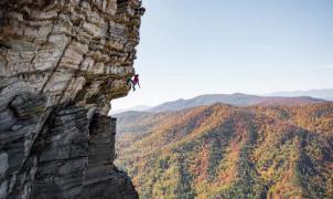 """Muere el mítico escalador """"del sombrero"""" Austin Howell mientras practicaba free solo"""