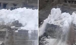 Vídeo: Una avalancha invade un pueblo de montaña en Daguestán (Rusia)