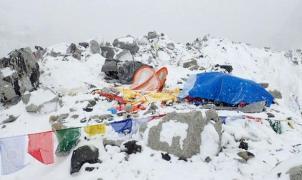 Tragedia en el Everest, una avalancha provocada por el terremoto habría matado 22 personas