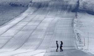 Los primeros esquiadores testean las pistas de El Azufre, la futura macroestación de América del Sur