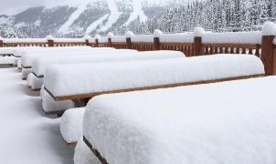 La nevada 'veraniega' en Canadá deja hasta 20 centímetros en las estaciones