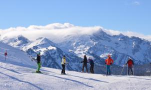 Baqueira cierra la temporada más atípica con 113 días y solo 3 metros de nieve acumulada