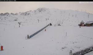 Fotos y vídeos: La nieve se empeña en seguir cayendo en las estaciones de esquí este otoño
