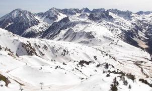 El esquí se prepara para sus mejores días tras el desconfinamiento comarcal de Catalunya