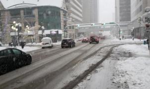 Nevada récord en Calgary con más de 40 cm en 2 horas en la primera tormenta de la temporada