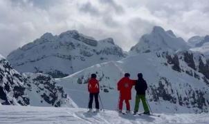 Candanchú encara la recta final de la temporada de esquí con forfaits a 25 euros