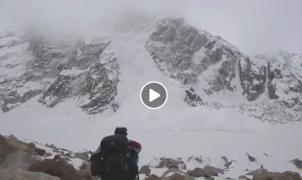 Vídeo: Una gran avalancha en Pakistán atrapa a los montañeros que la filmaban