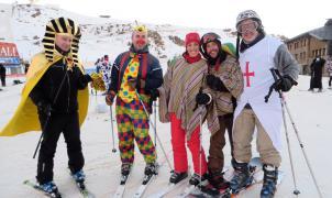 Sierra Nevada celebra el Carnaval con un descenso de disfraces y 100 km de pistas