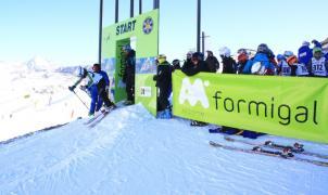 Fin de semana deportivo con mucha nieve en las estaciones de Aramón