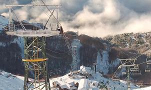 """Avanzan las obras del """"nuevo"""" Cerro Catedral, con más remontes y nieve artificial"""