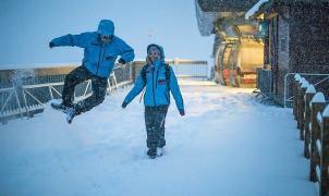 La estaciones del Grupo N´PY reciben hasta 70 cm de nieve en polvo en las últimas horas