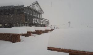 Las estaciones de N'PY reciben a los esquiadores de febrero con un 1 metro de nieve nueva