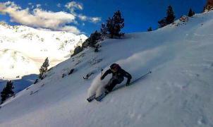 Nuevo esquí Mönch de Cervi con núcleo de bambú