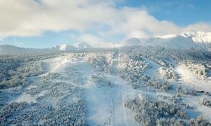 Cerro Chapelco abre sus pistas este sábado con mucha nieve