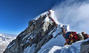 Nepal endurece las condiciones para subir al Everest para evitar aglomeraciones